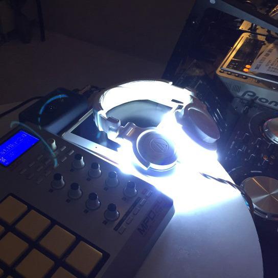 ヘッドフォン用 トリガーLEDライトニングキット シングル(片耳)